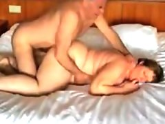 Thick mature woman double penetrated