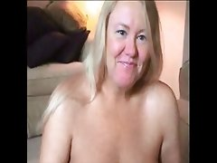 Amateur bbw masturbating and fucking
