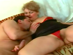 Fat mature fucked in her old pussy