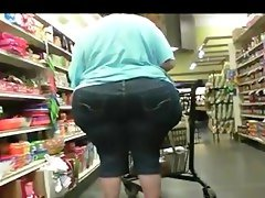 The best big wide candid pear ass ever..