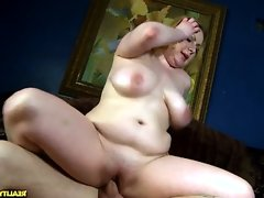 Check out this voluptuous babe get..